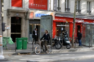 Biking in Paris 2 Velib iStock_000016098948Small