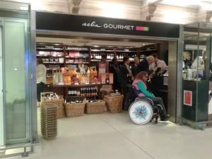 Paris Gare de Noid Eurostar Station Aela Gourmet 4 Sept 2014 20140923_193432