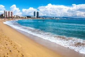 Beach front iStock_000076271337_Small
