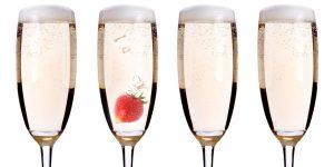 A flute glass of prosecco